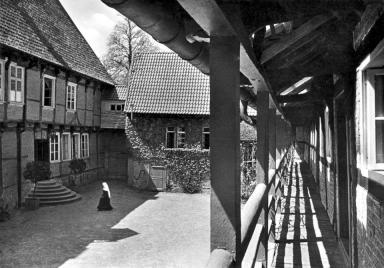 Blikck von der Galerie in den Innenhof