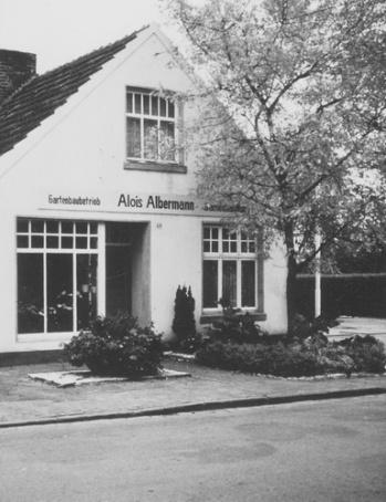 -31- 1960 wurde das Haus abgerissen und durch Garagen ersetzt, da Albermann ein neues Wohnhaus in der Wipperstraße gebaut hatte.