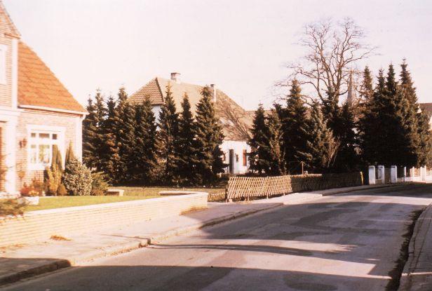 -243- Haus Beimforde, links noch zu erkennen, Blömer Estrich