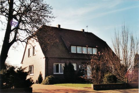 -245- Blömer Lüttkehus, Riedel, Aufnahme 2001 - damit ist auch auf der Nordseite das Ende der Langen Straße vor dem Fiedhof erreicht.