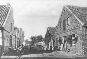 -44- Heinrich Niemann betrieb auf der Burg-/ Wipperstrasse eine Schmiede. Das Haus wurde nach dem Tode als Mietshaus genutzt.