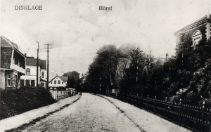 -33- Blick nach Norden mit den Häusern Osterloh, Büscherhoff und Schönecker auf der linken Seite