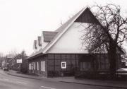 -39- Nochmal Haus Burwinkel, Hülsmann mit dem Nordgiebel, heute ist hier ein Friseursalon untergebracht.