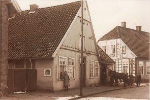 -94- Schmiede von Heinrich Fette, 1932, rechts daneben kann man schon das Haus Stüve erkennen.