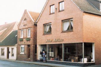 -103- Sattlerei Ferdinand Holthaus (Möbel Holthaus) um 2000