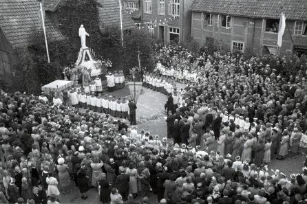 -103- Fronleichnamsprozession 1952
