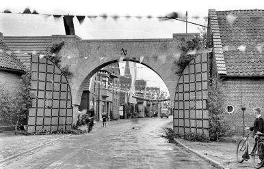 Gesellenbundesfest Juni 1952, Ansicht Richtung Westen, rechts (Bullauge) Gaststätte Lüers.