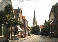 """-195- Aufnahme 1913. die """"Neustadt"""" mit neuer Pflasterung, Häuser links Blömer, daneben Kreuzmann, daneben Grote"""