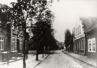 -30- Blickrichtung Westen - links das Postamt