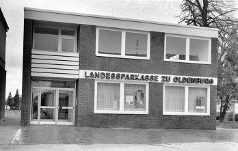 -32- LzO 1971