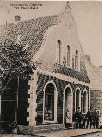 -175- Geschäft und Gaststätte Mäkel, außerdem war hier die 1888 gegründete Spar- und Darlehnskasse