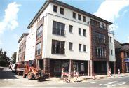 -192- Nach dem Umzug des Möbelhauses nach Lohne und in die Hallen der Firma van der Wal wurde der Komplex zu ein Wohnhaus und den Sitz der Sozialstation umgebaut