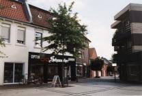-18- Blickrichtung Süden, Kösters Gang - Uhren und Schmuck Schuhmacher, dann Kösters Gang und ehemals Blumen Bahlmann