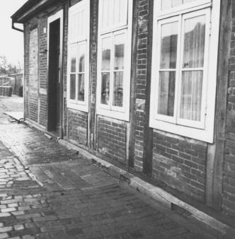 -28- Burgstraße 36/38, das Doppelhaus wurde 1926/27 erbaut. Die Steine und das Holz stammen aus der alten, 1924 abgebrochenen Schule in Langwege.