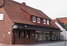 """-101- Ehemaliges Geschäftshaus Stüve, später """"Globus"""" Markt, dann Übergangsherberge der Bücherei"""