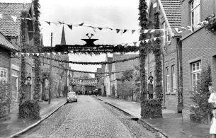 -97- Gesellenbundesfest Juni 1952, links Finke, Tischlerei Stuke, Blettrup, rechts Schmied Fette, Steuerberater Bahlmann.