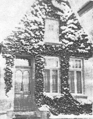 -83- Haus von August und Auguste Wegmann, die 1978 Eigentümer dieses Hauses waren. August Wegmann war von 1924 bis 1933 Zenrumsabgeordneter im Deutschen Reichstag.