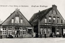 -10- Eine der ältesten Aufnahmen vom Alten Markt zeigt links die Gastwirtschaft und Handlung von Franz Weiss und rechts den Gasthof Fangmann, den späteren Oldenburger Hof.