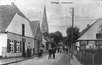 """-1- Blick in den Anfang der damaligen """"Wipperstraße"""", heute Burgstraße. Die rechte Seite ist die Nordseite der Straße."""