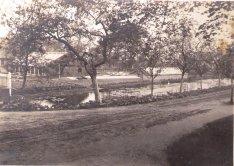-47- die ehemalige Burggärtnerei Schlinkert im heutigen Garten der Burg Dinklage