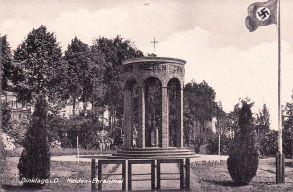 -33- Denkmal für die Toten der Kriege. eingeweiht Juni 1936