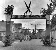 -52- Kolpingtag 1952, links die Häuser Wittrock, Blickrichtung Bahnhof