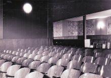 -13- Kinosaal