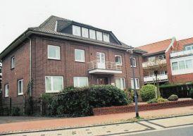 -16- Haus Meyer-Lamping 1939 gebaut, von 1945 bis 1955 Gemeinde Dinklage, später Dr. Riss, Dr. Lefert.