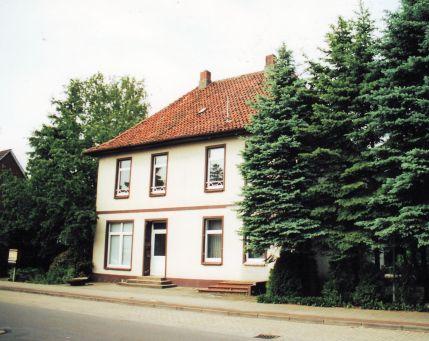 -19- ehemals Niemann, später 1954/55 Gaststätte, später Griechisches Restaurant,dann Türkische Gaststätte