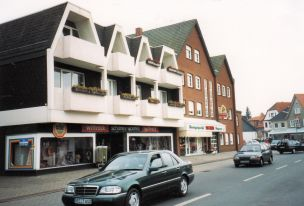 -27- Geschäftshaus Wittrock, rechts daneben Jochem