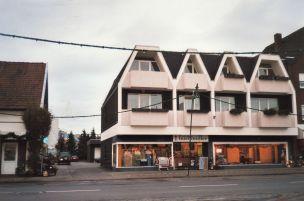 -28- Geschäftshaus Wittrock, links die Hofeinfahrt Gröne