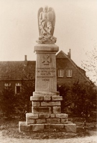 Denkmal für die Kriegstoten in Höne