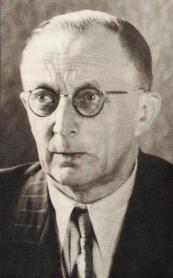 1945 Der 2. Weltkrieg ist beendet. Dinklager Bürger, allen voran Der spätere Landrat Julius Mäckel sorgen für eine friedliche Übergabe des Ortes.