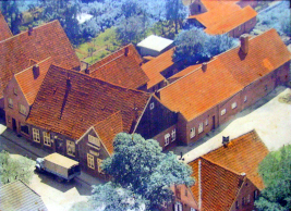 -110B- Blick auf die heutige Kreuzung Lange Straße/Ostendorfstraße mit der Gaststätte Straoten Ornd. ca. 50er Jahre