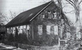 Im Jahr 1900 erhalten die evangelischen Schüler in Wulfenau eine eigene Schule.