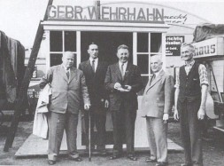1955 Die Firma Holthaus schließt nach Konkurs.. Die Firma Wehrhahn übernimmt den Betrieb