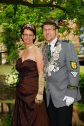 Martina Jordan als Königin an der Seite Ihes Mannes Martin Jordan; Schützenkönig 2011/2012