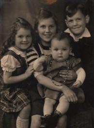 Von links nach rechts: Christa,Maria, Gisela und Heinz Kröger
