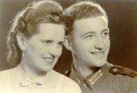 Caspar Kalvelage mit seiner Verlobten