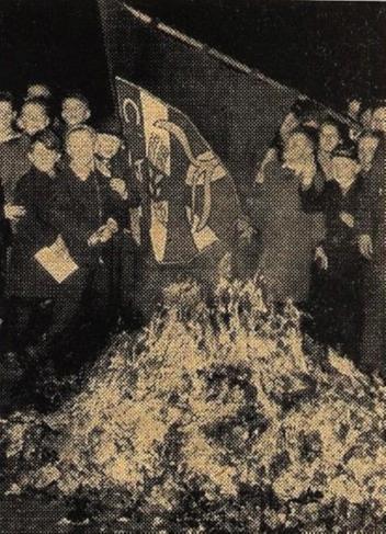 Scheiterhaufen_CaJ_1957